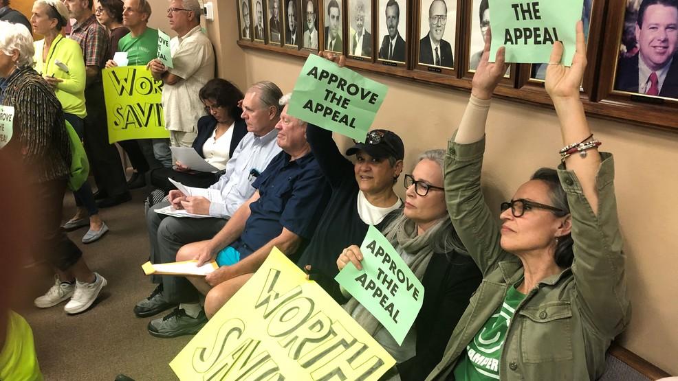 Activism for saving Lake Worth Cottages worth saving